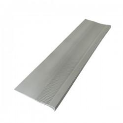 GRADA PVC ESTRIADA 4MMx32CMx121CM